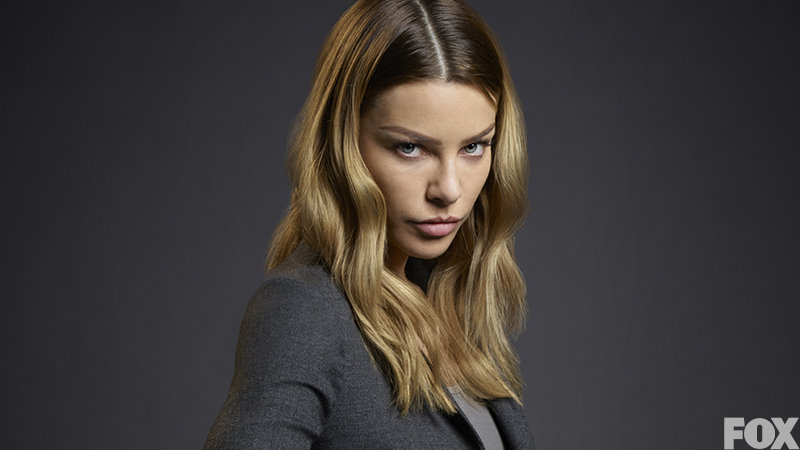 КАСТ сериала Люцифер (Lucifer) - Lauren German - Detective Chloe Dancer.jpg