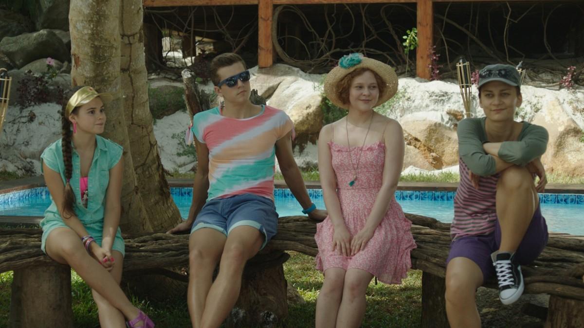 Остров (тропическая комедия на ТНТ) - кадры из сериала (03).jpg