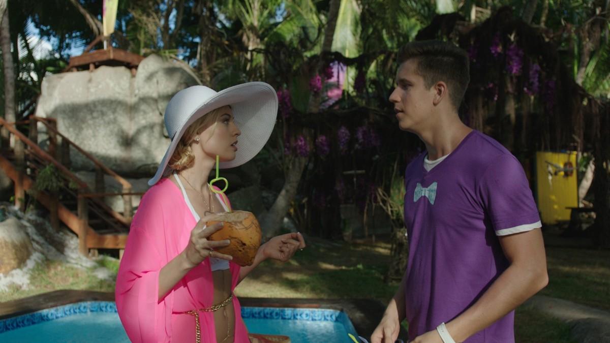 Остров (тропическая комедия на ТНТ) - кадры из сериала (01).jpg