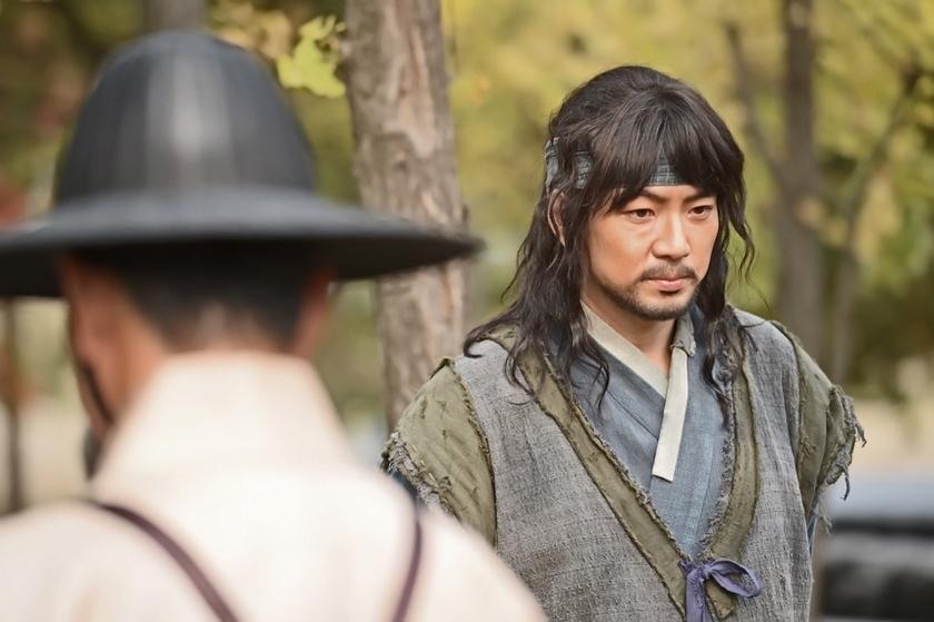 Дорама Чан Ён Силь ( 장영실 , Jang Yeong-Sil,  Jang Youngsil. The Greatest Scientist of Joseon) - кадры из сериала (01).jpg