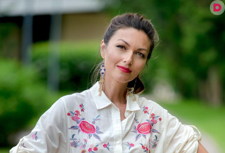 От ненависти до любви - Кира Высоцкая – Юлия Такшина.jpg