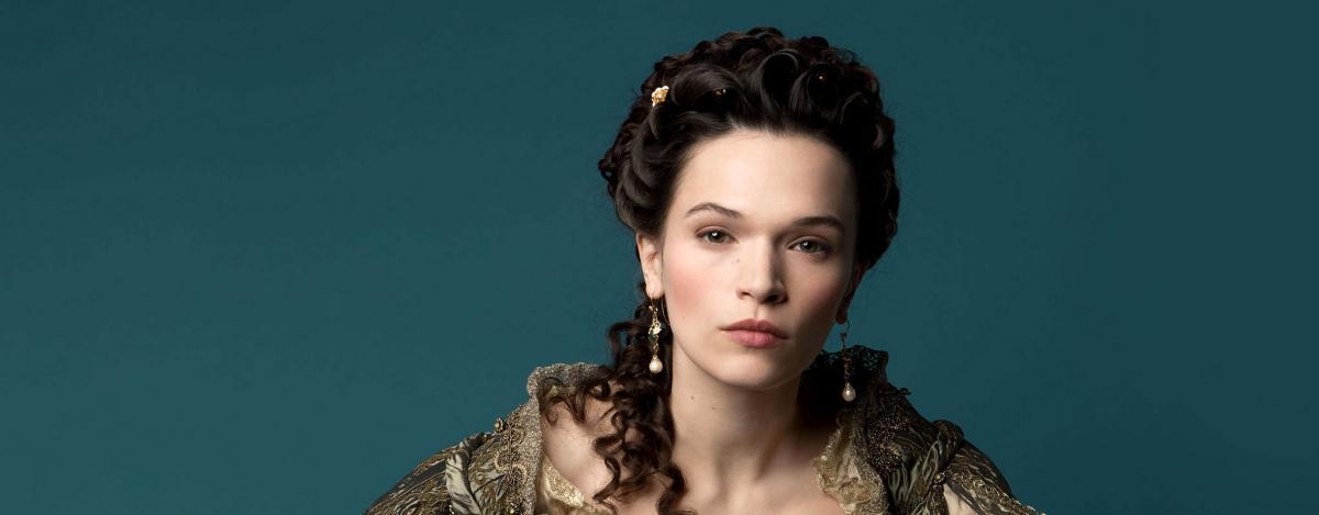 Версаль (Versailles) - актеры и роли, каст сериала - Маркиза Франсуаза-Атенаис де Монтеспан - Анна Брюстер.jpg