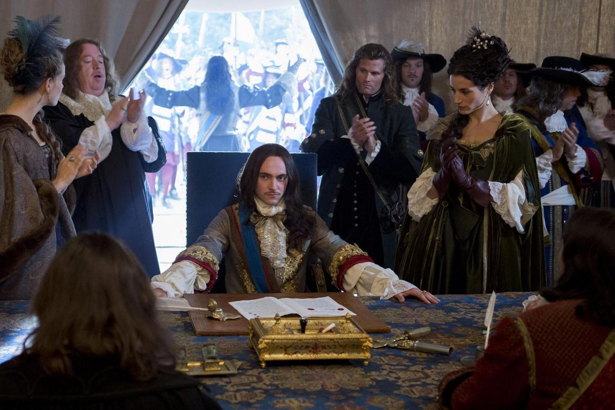 Версаль (Versailles) - кадры из сериала (12).jpg