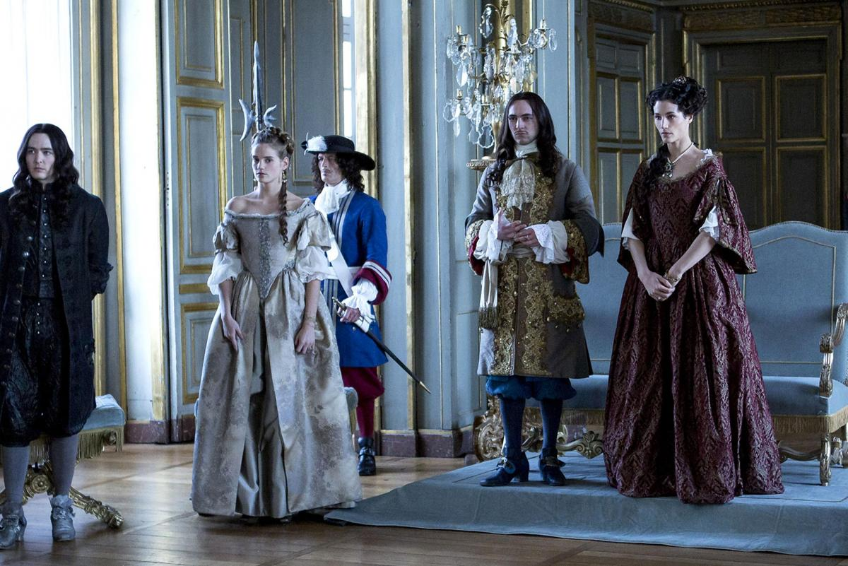 Версаль (Versailles) - кадры из сериала (01).jpg