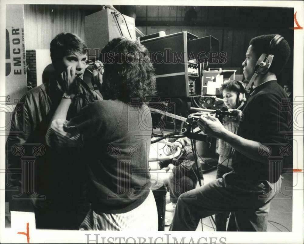 1986-Press-Photo-Syracuse-University-Students-at-Santa.jpg