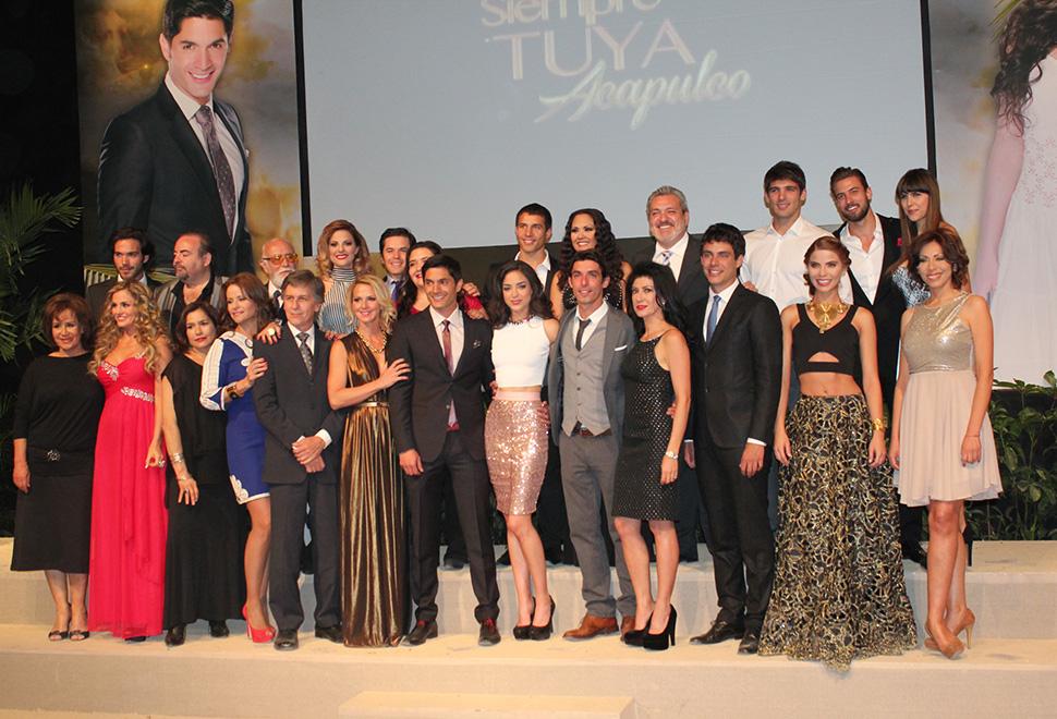 Siempre Tuya Acapulco presentante.jpg