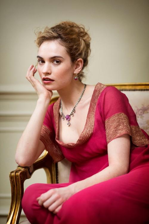 Наташа Ростова - Lily James.jpg