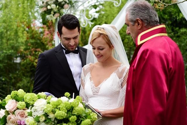 Королева ночи (Gecenin Kraliçesi) - свадьба Селин и Картала.jpg