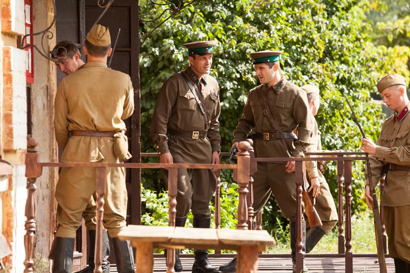 По законам военного времени - кадры из сериала (04).jpg