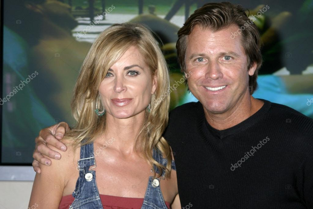 depositphotos_13041124-stock-photo-eileen-davidson-vince-van-patten.jpg