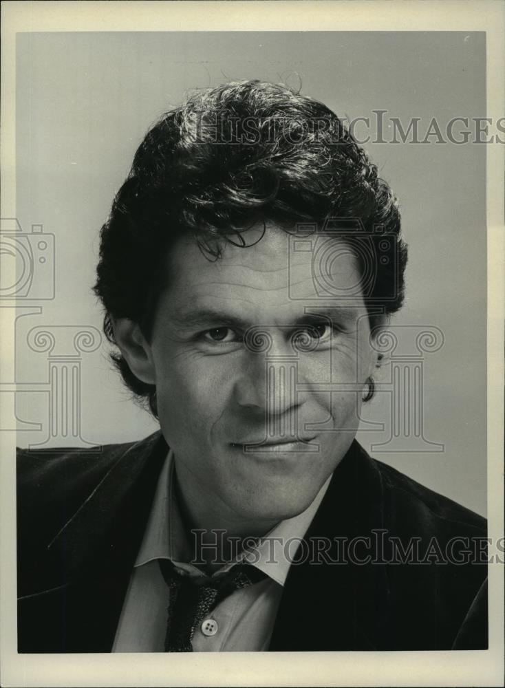 1983-Press-Photo-A-Martinez-stars-as-hardbitten.jpg