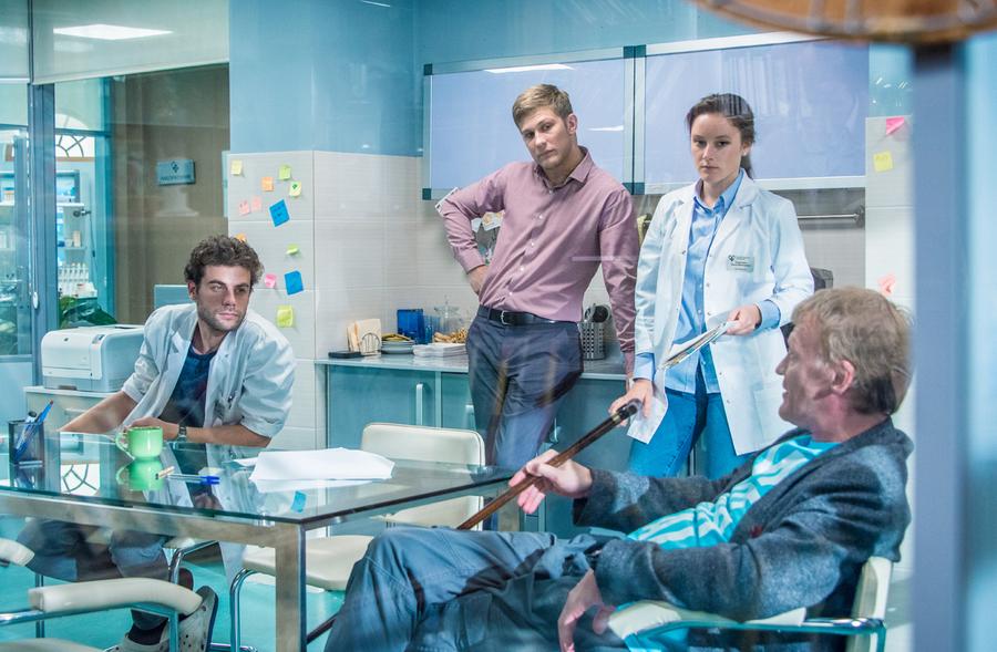 Доктор Рихтер - кадры из сериала (04).jpg